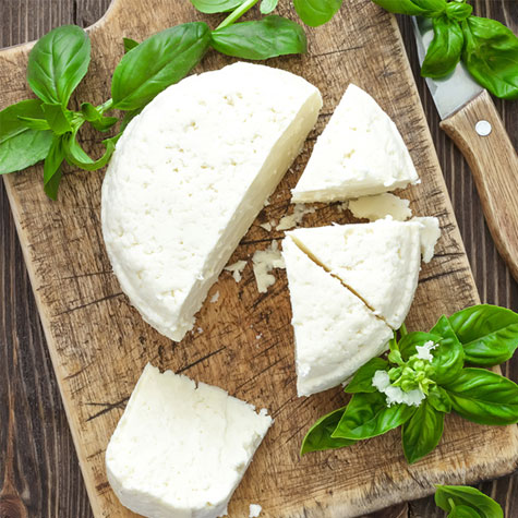 Curd cheeses and cottage cheeses